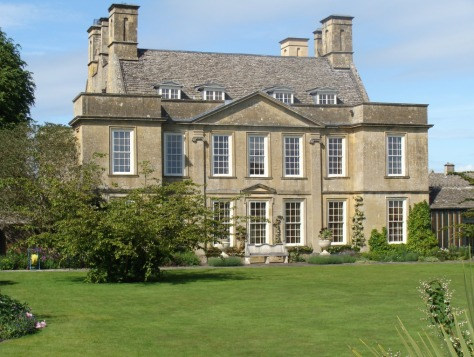 Bourton House 01